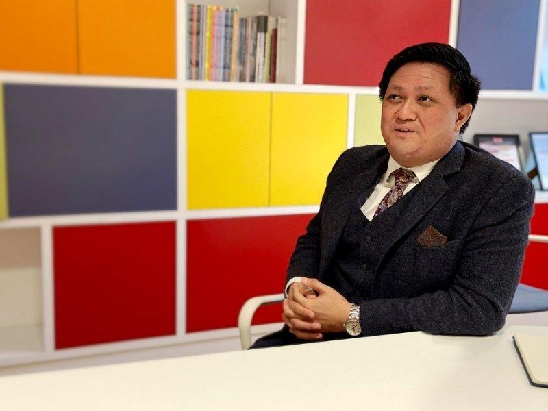 Dr Alex Gapud